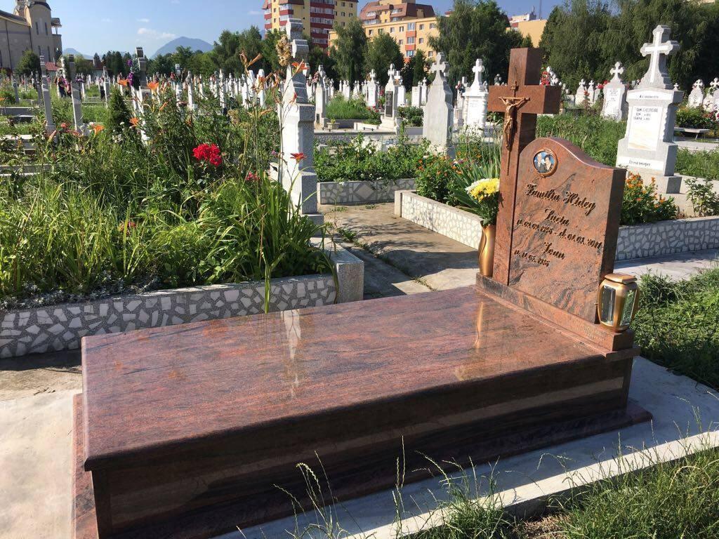 monumente funerare brasov
