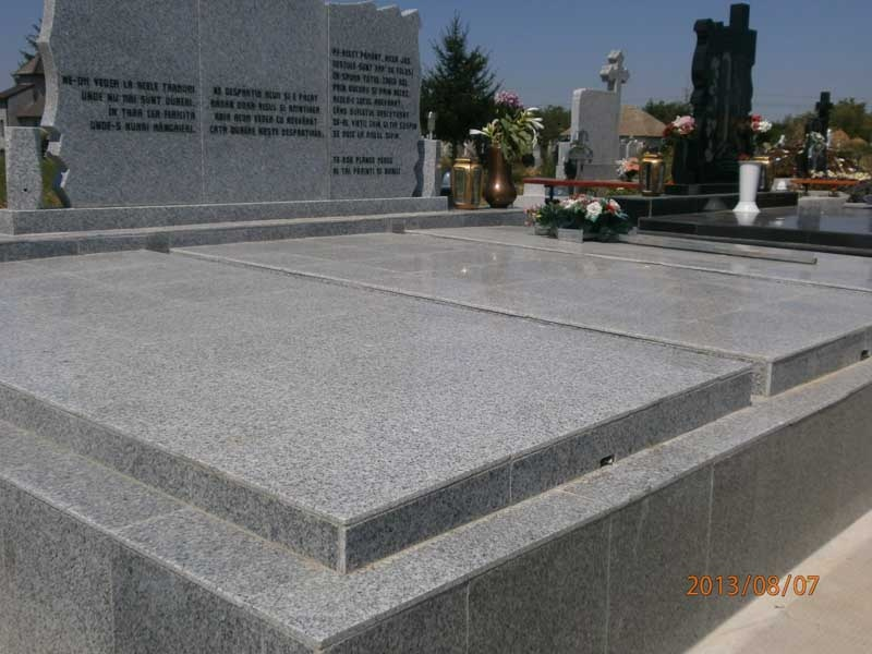 Monumente Funerare Arad