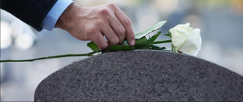 monumente funerare dragasani valcea