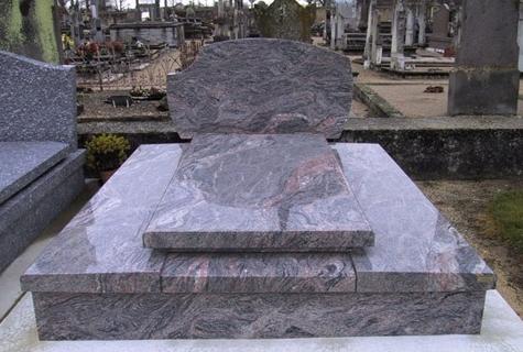 Monumente funerare granit preturi